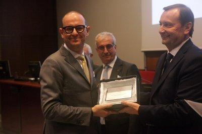 Paolo Meneghini ritira il premio per il socio storico A2A, ph. Giulio Crosara
