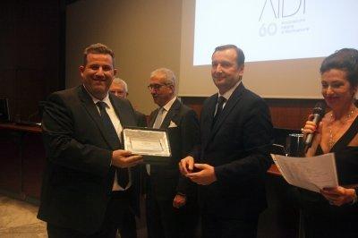 Massimo Tiberi ritira il premio per il socio storico Schréder, ph. Giulio Crosara