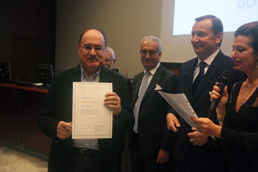 Gianni Forcolini riceve il premio come socio storico, ph. Giulio Crosara