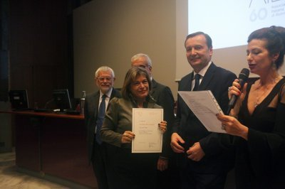 Carolina De Camillis riceve il premio come socio storico, ph. Giulio Crosara