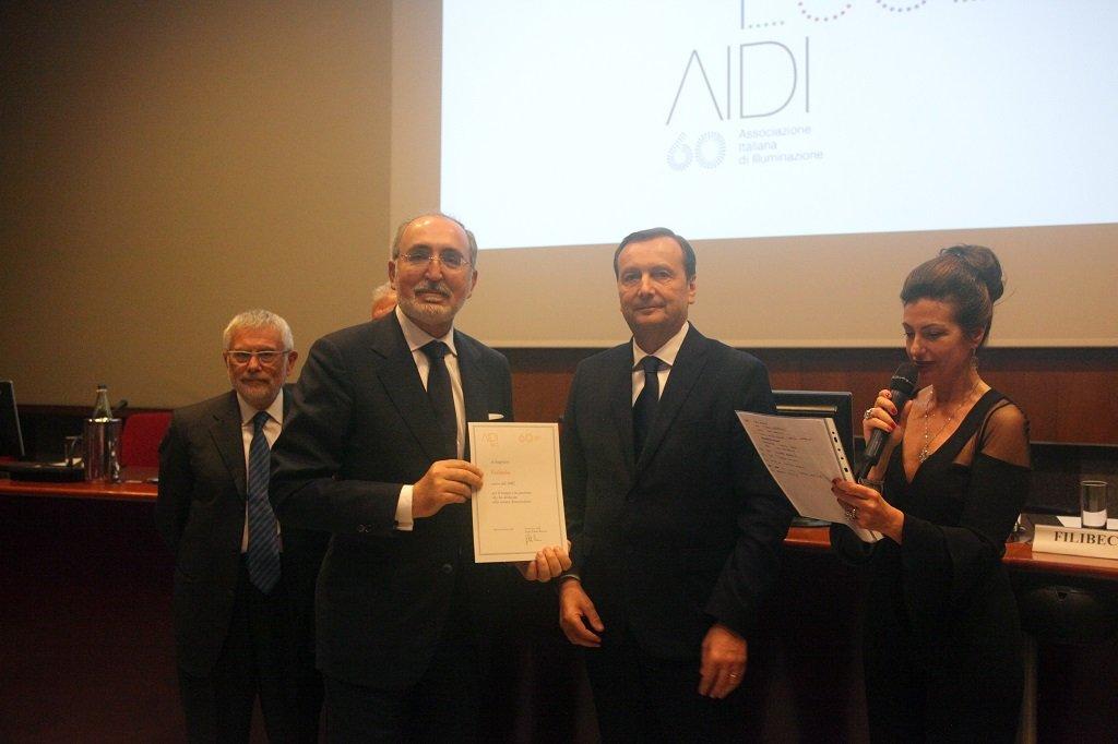Mattia Sica riceve il premio per il socio storico UTILITALIA, ph. Giulio Crosara