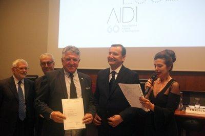 Augusto Guerra riceve il premio come socio storico, ph. Giulio Crosara