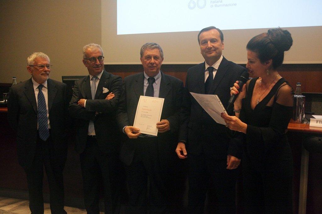 Emilio Redaelli riceve il premio come socio storico, ph. Giulio Crosara