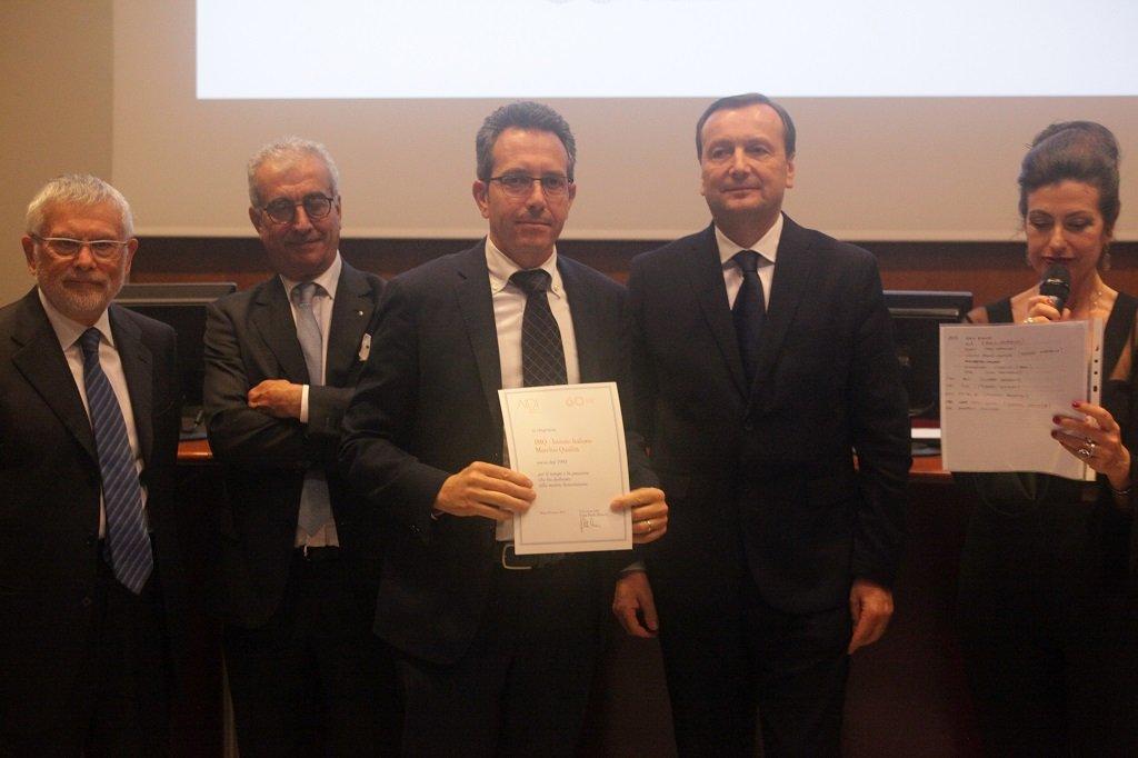 Matteo Raimondi ritira il premio per il socio storico IMQ, ph. Giulio Crosara